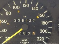 Mercedes-Benz-190-9