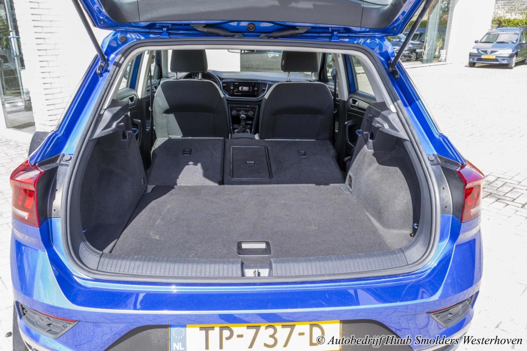 Volkswagen-T-Roc-50